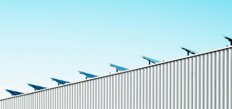 Ihr Partner im Bereich erneuerbarer Energien und Immobilien